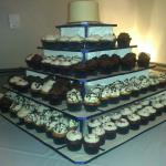 "6"" Top Cake with 175 cupcakes"